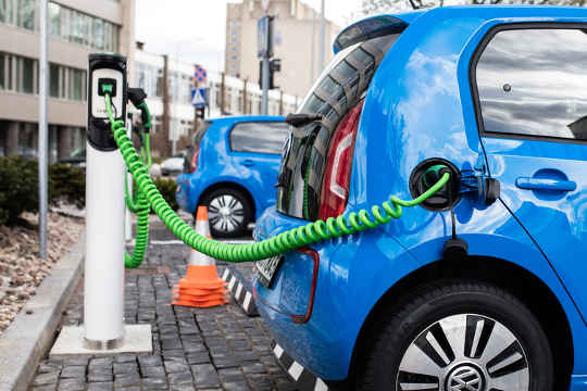 5 Reasons Why You Might Be Driving Electric Cars Sooner