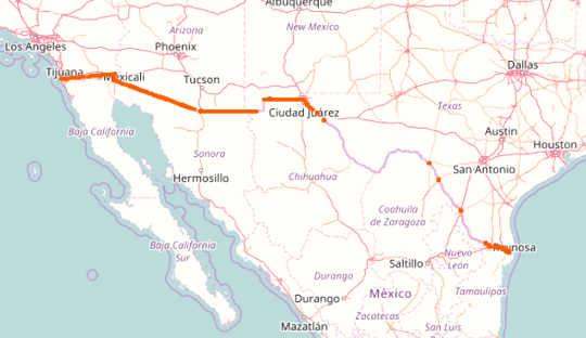 De bestaande grenswand van de VS en Mexico loopt voor 1,000km. OpenStreetMap