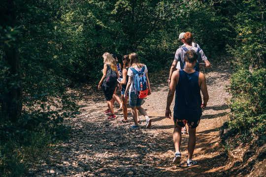 Cara Membantu Anak-anak Cukup Berolahraga