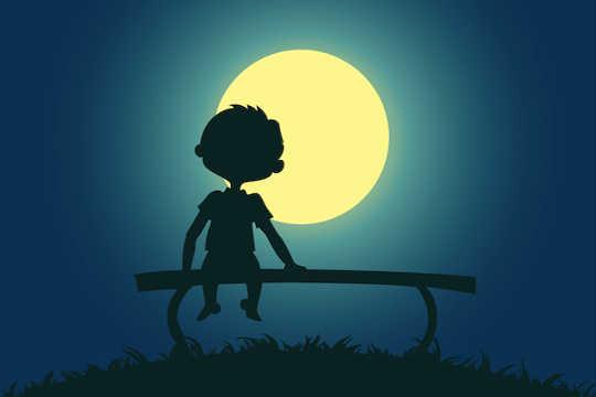Yalnızlık Hissetmek Bizi Merkeze Getirebilir, Ve