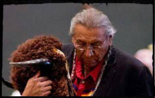 Mensaje importante de Keeper of Sacred White Buffalo Calf Pipe