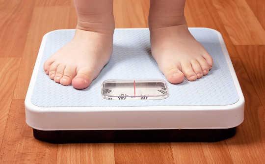 Ist ein Mangel an Schlaf wirklich Kinder übergewichtig?