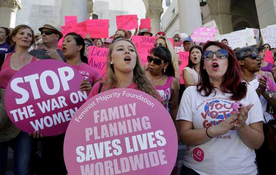 Как планируемое родительство помогло миллионам женщин