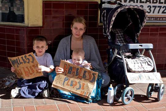 Los adolescentes estadounidenses en la pobreza pasan hambre para que los hermanos puedan comer