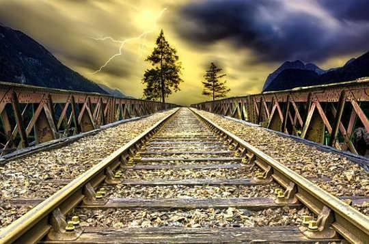 2018 सूर्यास्त रेल मार्ग पटरियों