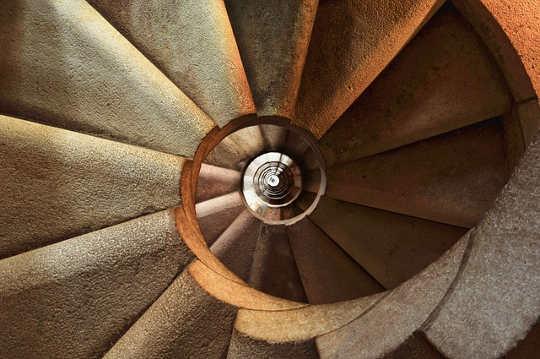 escalera de caracol 600468 640
