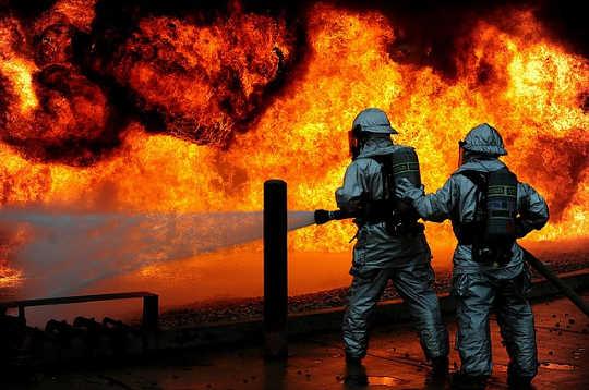 چه چیزی باعث آتشسوزی می شود؟