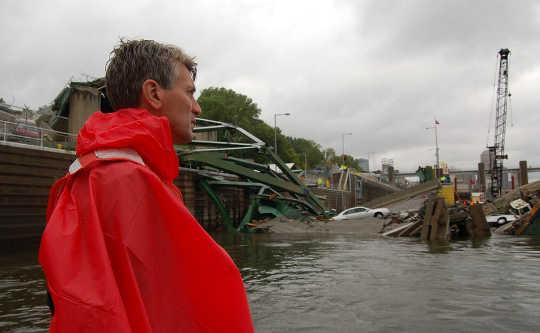 Amerikaanse burgemeesters Desperaat Om Crumbling Infrastructure te herstel, maar State, Feds Hou hulle terug