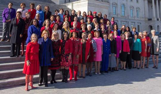Wie viele Frauen braucht es, um einen gebrochenen Kongress zu ändern?