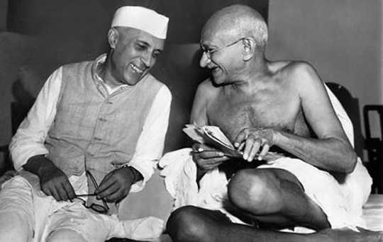 Warum Gandhi heute noch relevant ist und heute eine neue Form der Politik inspirieren kann