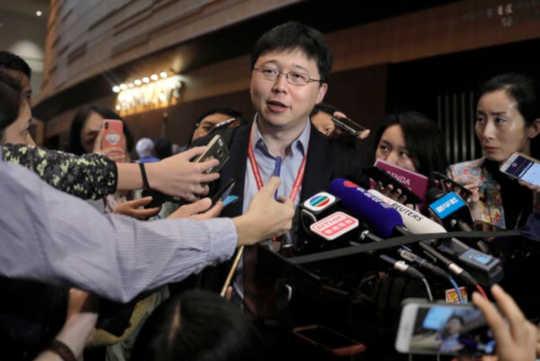 Feng Zhang, κέντρο, μέλος ινστιτούτου του Harvard και του MIT's Broad Institute (είμαστε έτοιμοι για γενετικά σχεδιασμένα μωρά)