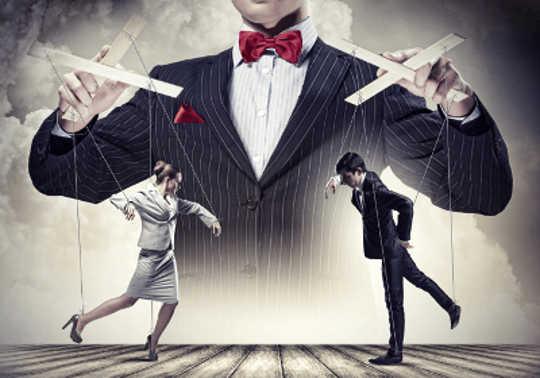Comment faire la différence entre la persuasion et la manipulation