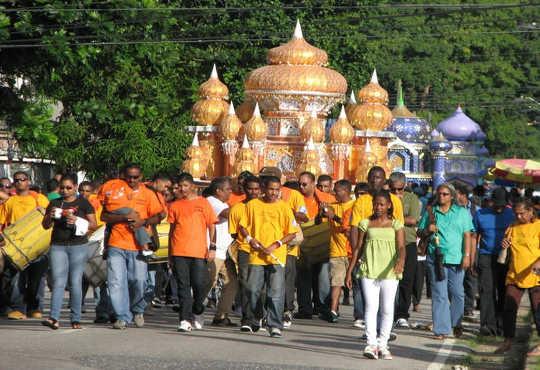 Come un'antica vacanza islamica è diventata unicamente caraibica