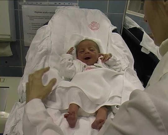 Recém-nascido é realmente apenas um reflexo?