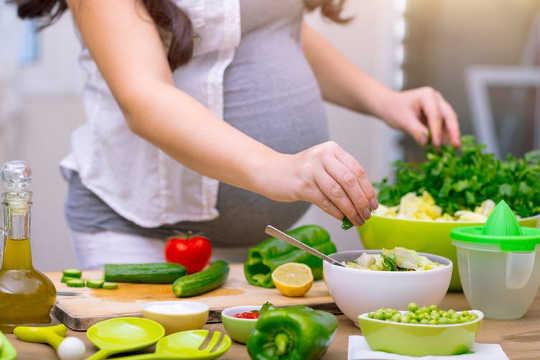 ¿Por qué las dietas veganas se suman a la desnutrición en los países ricos?