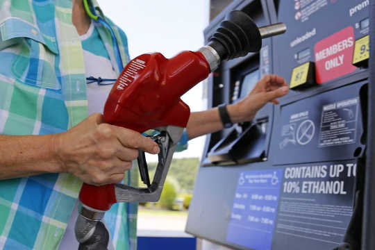 Hvordan billig olje blokkerer fremgang på klimaendringer