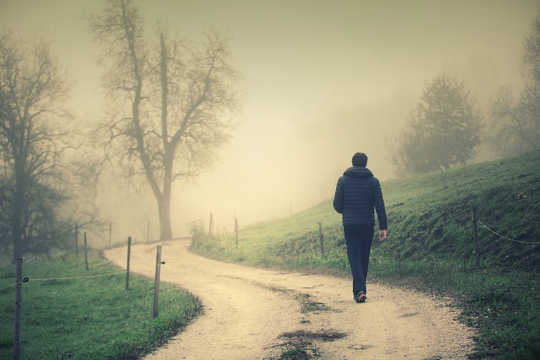 Фокусировка на людях с высоким риском самоубийства закончилась как стратегия предотвращения самоубийств