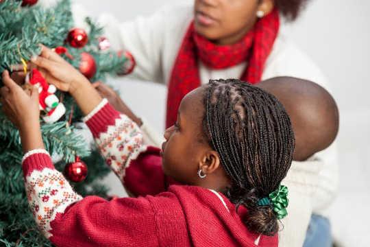 उपहार के बारे में निराशा बच्चों के लिए कितनी अच्छी है