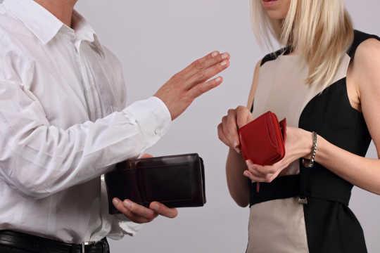 Warum Frauen - einschließlich Feministinnen - immer noch zu wohlwollenden Männern angezogen werden