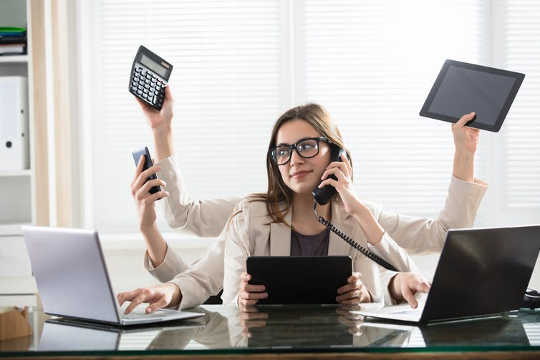Why Multitasking Between Devices Is Associated With Poorer Attention And Memory