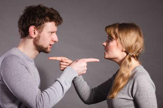 Wie oft vergessen die Menschen Dinge über einander?
