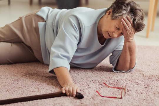Hoe ouderen een van de gevaarlijkste gebeurtenissen van een bejaardentaan kunnen vermijden