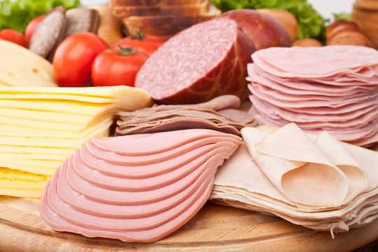 आप छुट्टियों के दौरान खाद्य जनित संक्रमणों के लिए जोखिम में क्यों पड़ सकते हैं