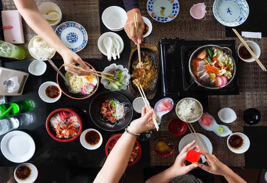 Restaurants füttern uns nicht nur, sie formen unsere Nahrungsmittelvorlieben