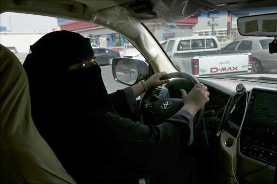 Kyllä, Saudi-naiset voivat nyt ajaa, mutta kuulevatko heidän äänensä?