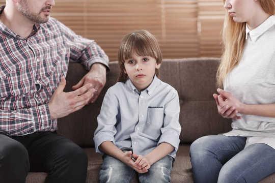 Cómo decirle a sus hijos que se está divorciando