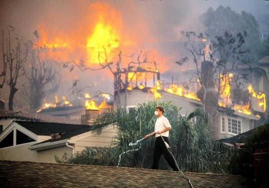 Paano Pinapalaki ang Pagbabago ng Klima Ang Panganib ng mga Wildfire