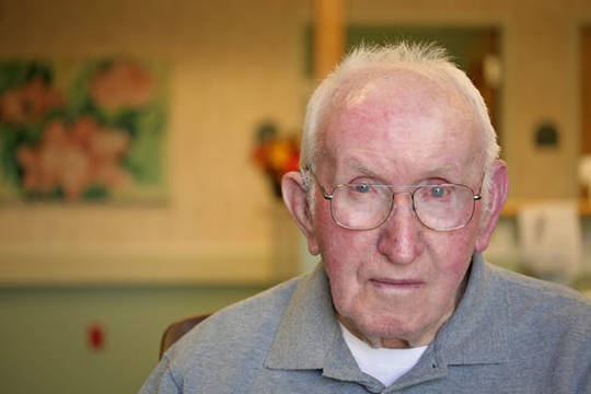 Äldre människor har ökad risk (hur kan jag säga om jag är uttorkad)