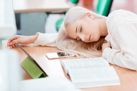 How Nap Time For Teens Might Benefit Their Brains