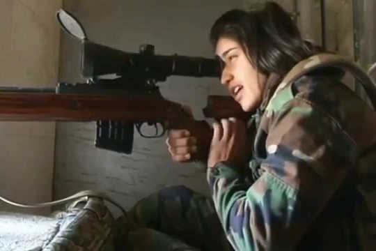 How Women Wage War – A Short History Of IS Brides, Nazi Guards And FARC Insurgents