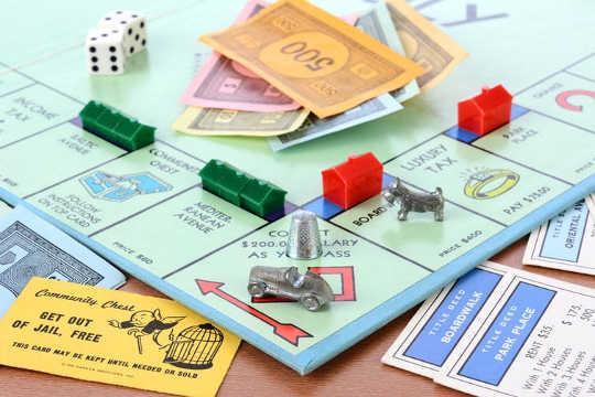 Monopolie is ontwerp om die gevare van kapitalisme te onderrig