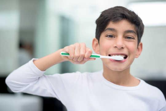 Le triclosan dans le savon et le dentifrice renforce les germes
