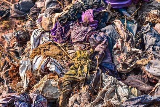 新しい服を買うのをやめるべき理由