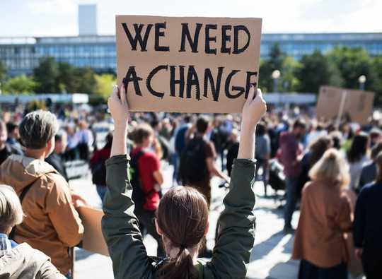 Kuinka nuorten mielenosoitukset muotoilivat keskustelua ilmastonmuutoksesta