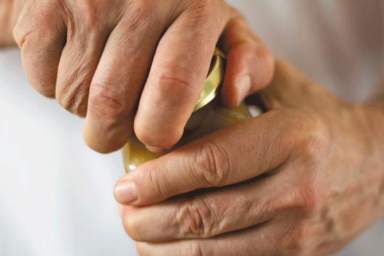 Een zwakke handgreep kan waarschuwen voor cognitieve stoornissen