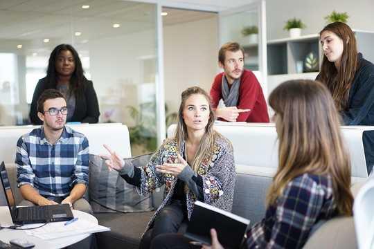Miksi persoonallisuuspiirteesi voivat muuttua jollain työllä