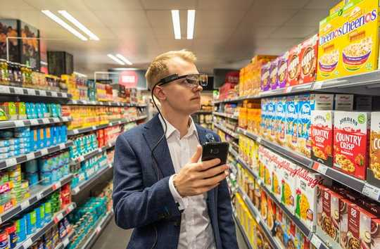 Bruke smarttelefonen på supermarkedet kan legge til 41% til din handlekurv