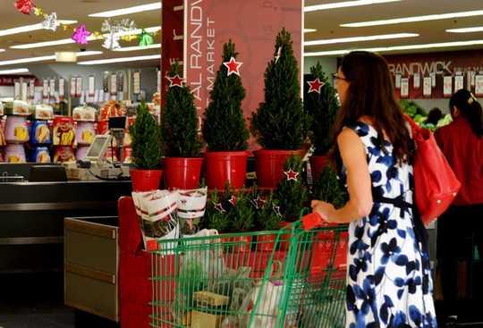 Bagaimana Belanja Natal Anda Dapat Membahayakan Atau Membantu Planet Ini