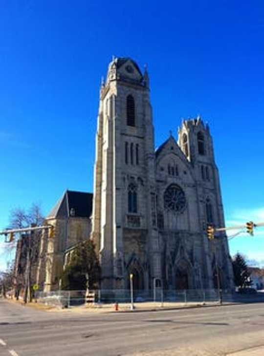 Một giải pháp mới cho các nhà thờ trống rỗng của Mỹ: Thay đổi đức tin