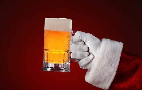 چگونه بگوییم که نوشیدن تعطیلات شما به مشکلی تبدیل شده است
