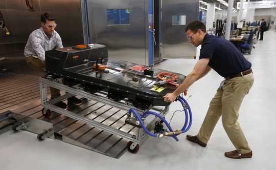 전기 자동차로 측정 된 전환이 미국에 도움이되는 이유