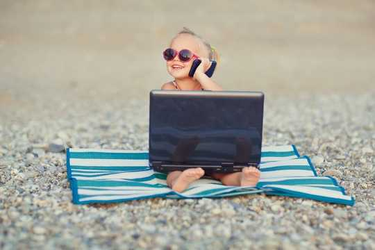 Five Tips To Manage Screen Time This Summer