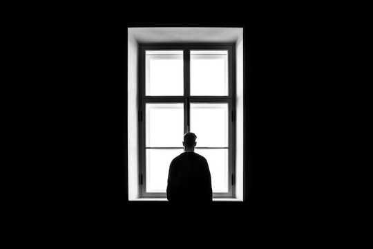 Hvorfor vi trenger å slutte å medisinere ensomhet fordi historien avslører at det er et samfunn som trenger reparasjon