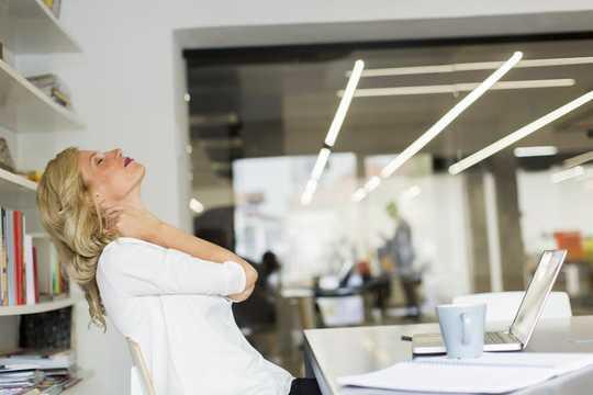 3-redenen waarom u nekpijn heeft