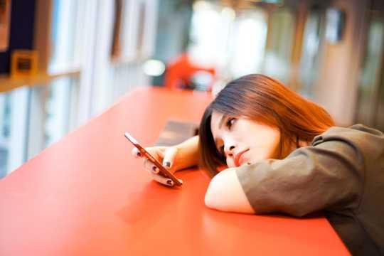 Gençler artık dijital çağda etraflarında ve içinde dönüp durdukları için tam anlamıyla bir araya geldiler.