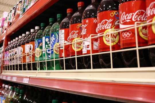 Grandi supermercati, grandi cibi spazzatura: come rendere gli ambienti alimentari più sani